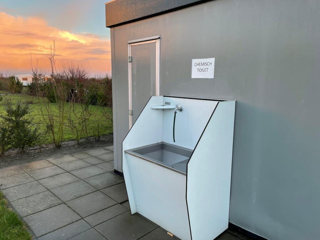 Lozen chemisch toilet Camping Brouwersdam