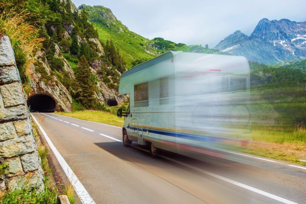 APK Camper - snel rijdende camper