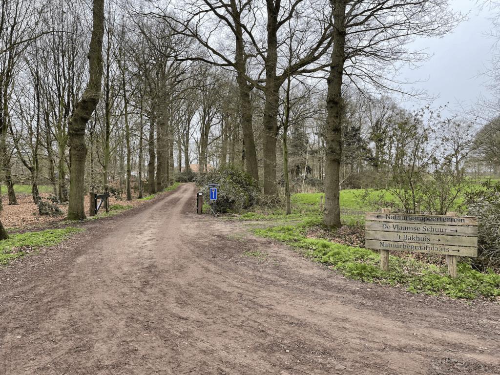 Entree Landgoed De Hoevens in Alphen